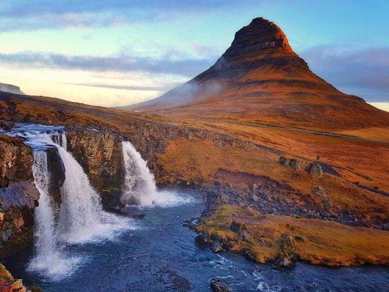 Kirkjufell een van de  IJsland bezienswaardigheden