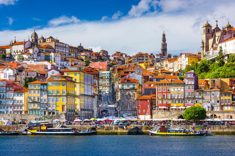 Het bruisende historische centrum van Porto is de wijk Ribeira